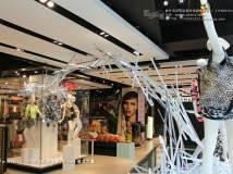 苦心收集近千张,国外服装品牌专卖橱窗集合(十三)